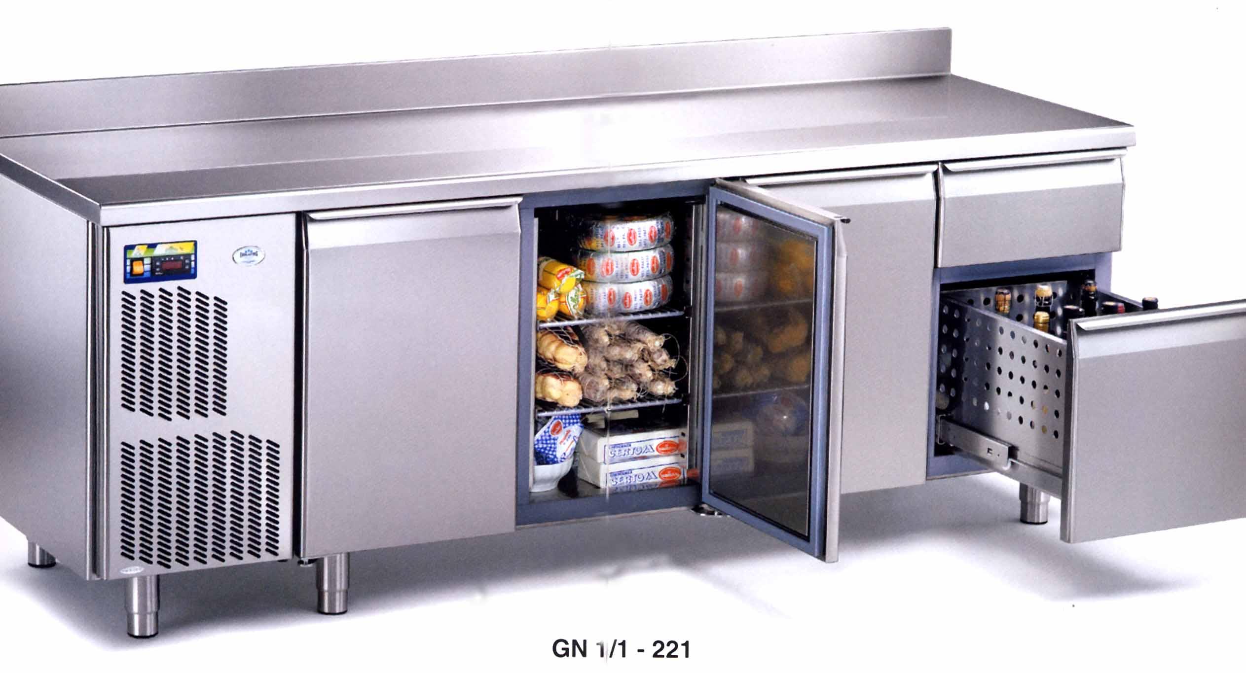 Arredamento ristoranti milano tavoli refrigerati for Offerte lavoro arredamento milano