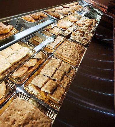 Arredamento ristoranti milano progettazione panetteria for Arredamento panetteria